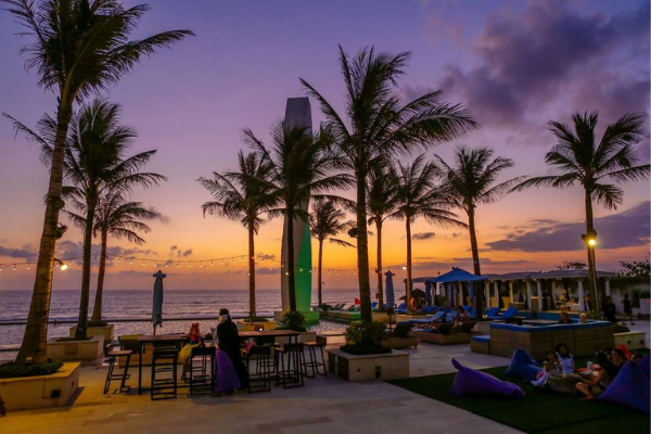 Beach-Bar-Di-Bali